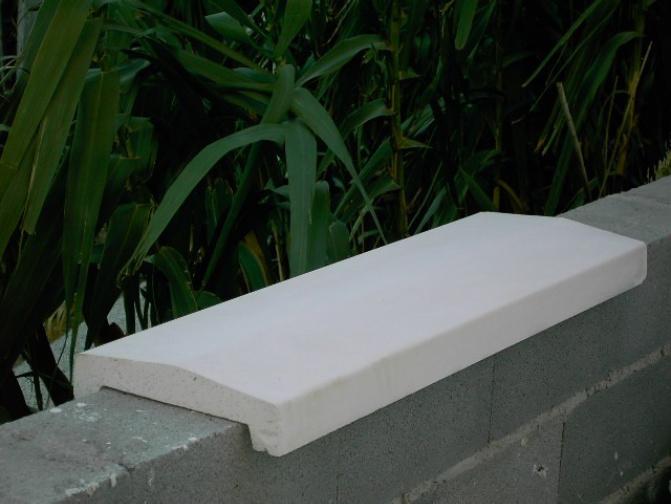 Cubremuros piedra artificial cubremuro piramidal a dos for Costo de piletas de hormigon